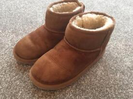 Girls Ugg Boots Size 13uk