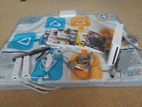 Nintendo Wii Console + 2 Joystick (one extendable) + 6 games + 1 floor pad