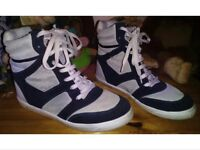 Size 6 River Island wedge trainers navy/cream