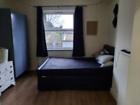 Two double bedrooms available in shared house se13