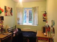 Small Cosy Single Room in Friendly Flat share in Bethnal green, ALL Bills + Council Tax Inclusive!!!