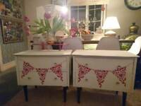 Child's dressing table & chest of drawers