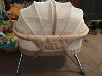 Inovi Cocoon - Ultra-Light Moses Basket.