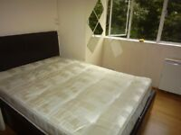 A nice double room to rent in Streatham Hill.