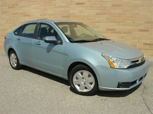 2008 Ford Focus SE. WOW!! Only 126000 Km! Loaded! 5 Speed!