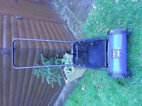 Push Lawn Mower with grass collector