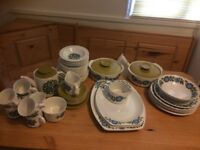 "VINTAGE G&J MEAKIN ""TOPIC"" PART DINNER SET"