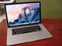 MacBook Pro Retina 15'', i7 , 8GB RAM, 256GB SSD, 93 Battery Cycles, w/ Case