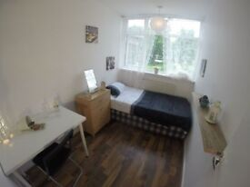 MANY CHEAP ROOMS IN SHOREDITCH AND EAST AREA, FURNISHED WITH ALL INCLUDED