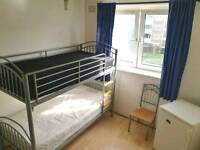 ROOM SHARE IN BETHNAL GREEN 85pw ALL BILLS INCLUDED CALL ME 07473393464