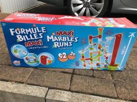 Marble run toy