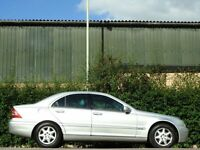BREAKING MERCEDES C CLASS DIESEL ALL PARTS ARE OFF
