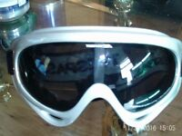 Goggles made by Trespass
