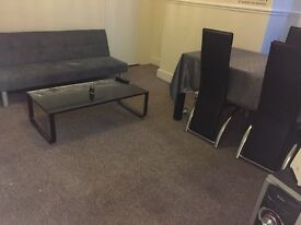 Spacious double room to rent NEAR SALFORD UNIVERSITY