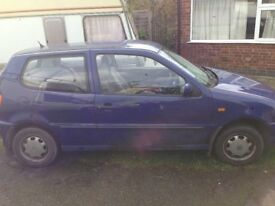 Volkswagen polo Breaking for parts ...? anything you want..?