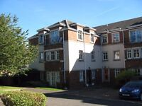 2 DBL BDM FLAT ON TOP FLOOR IN NEW BUILD DEV IN CARRICK KNOWE, WITH PRIV PARKING. F/F AT £700 PM