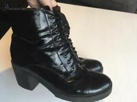 Uk 7 black heel boots