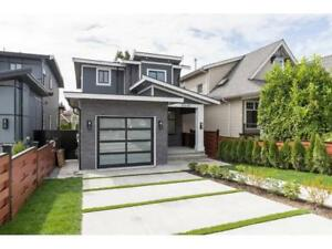 15448 RUSSELL AVENUE White Rock, British Columbia