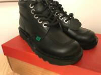 Brand new!!! Kickers Hi Core ankle boots Size 37.