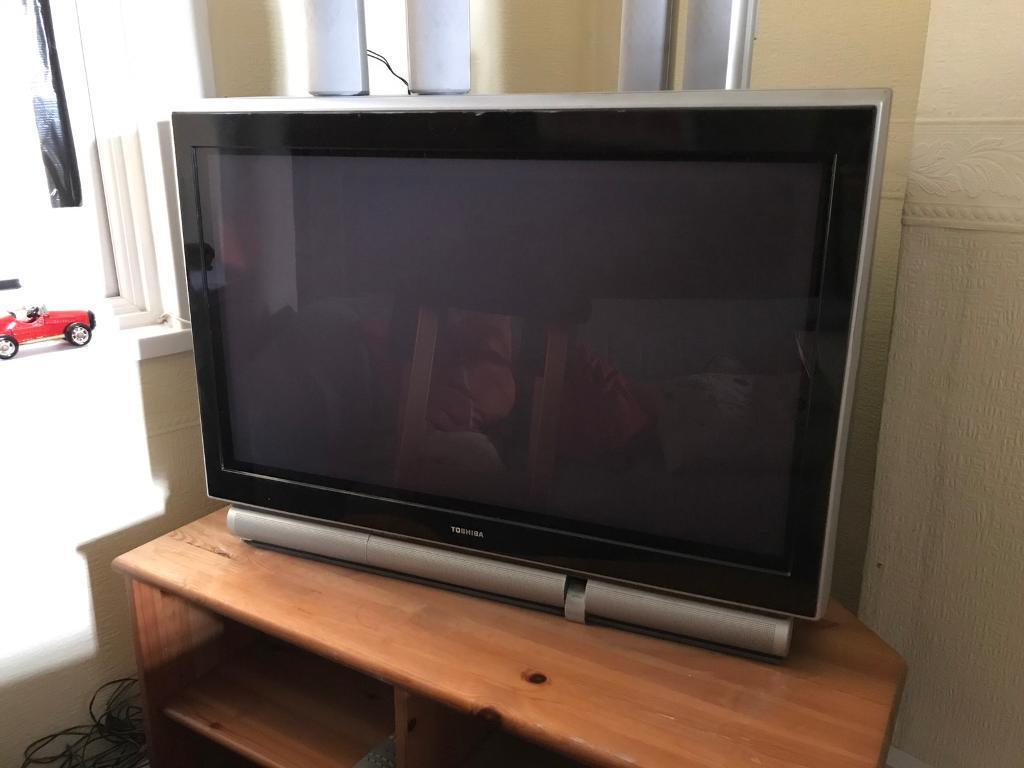 36 inch toshiba 36zp38 crt television in stratford. Black Bedroom Furniture Sets. Home Design Ideas