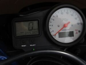 2001 yamaha  R6  Smooth, Clean, two good tires  Only $20/week London Ontario image 13