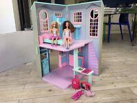 Barbie Talking Townhouse dolls house, 2 dolls + accessories