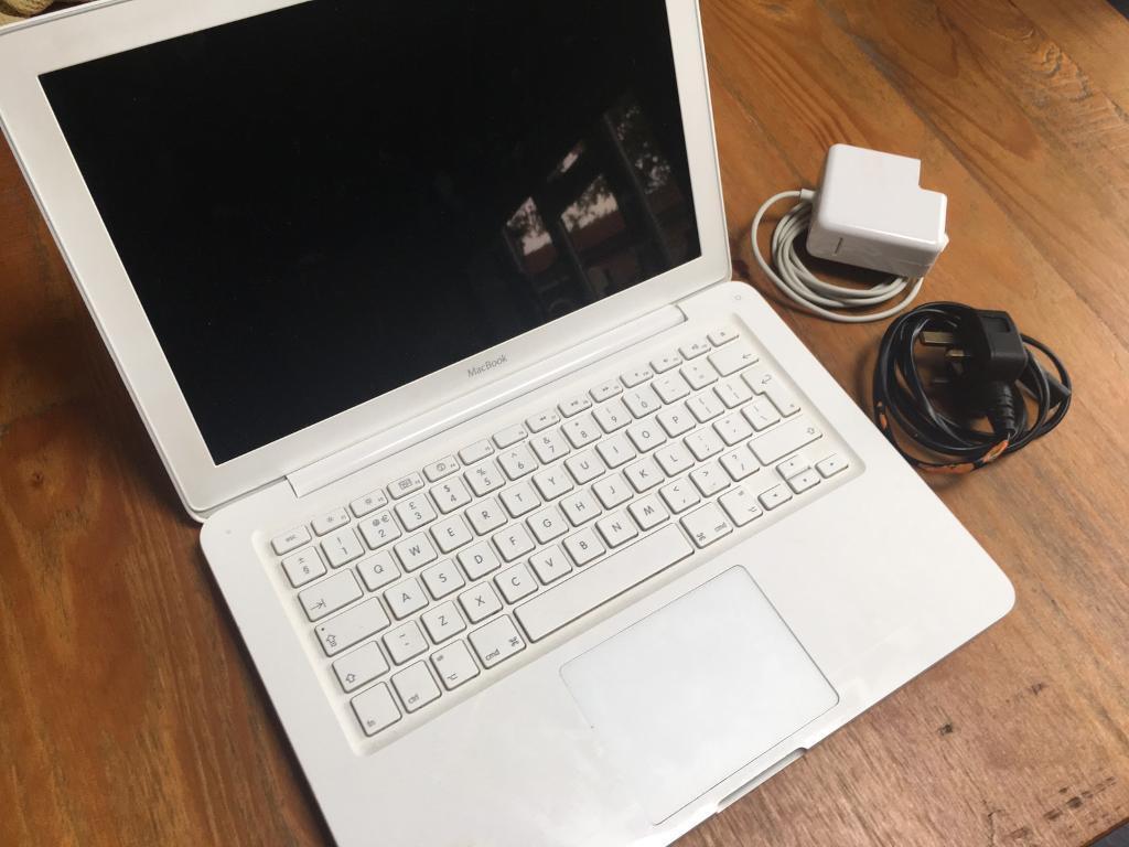 Apple MacBook, 13 inch, Late 2009, A1342