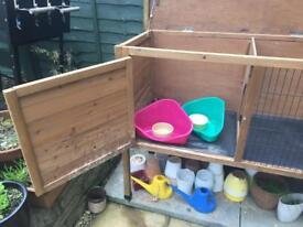 Lazybones single rabbit hutch. Measuring 5.9 ft . Good condition. Three years old.