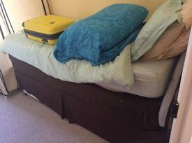 Singal bed.
