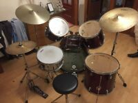 Peavey international series 2 full Drum kit set for sale. Good condition and barely used