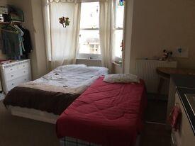 Studio flat - Central Brighton (all bills included)