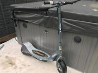 Electronic E300 razor scooter