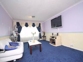 FULLY FURNISHED TWO DOUBLE BEDROOM APARTMENT LOCATED FIVE MINUTES WALK FROM THE STATION