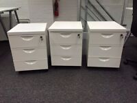 White Steel Drawer unit with wheels and 3 drawers + keys - perfect condition