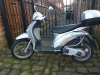 2004 Piaggio Liberty (Vespa) 125cc 04, silver, new tyres, new battery.
