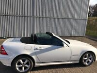 Mercedes SLK 200 Kompressor - White 2D Convertible with 6S MManual Gearbox with service history