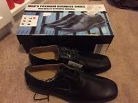Men's shoes size 9