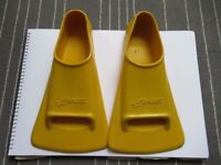 For Sale: swim training fins and a set of hand paddles