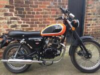 Herald Classic 125 learner legal motorcycle, 5 months old.