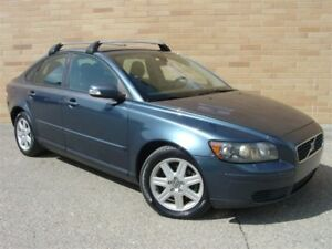 2007 Volvo S40 2.4i. Loaded! 5 Speed Manual! Heated Seats!