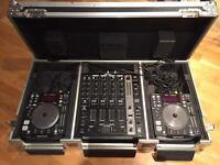 Denon CDJ/USB S1200 decks, mixer & Flightcase