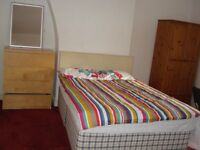 2 Bed flat, Egerton Rd, Fallowfield, close to Wilmslow rd 24hr Bus rout to Uni, city centre.