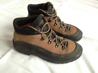 Ladies Bally size 6 Walking Boots
