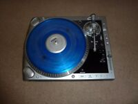 Numark X2 Hybrid Vinyl & CD/mp3 turntable.Great condition.Packed with features