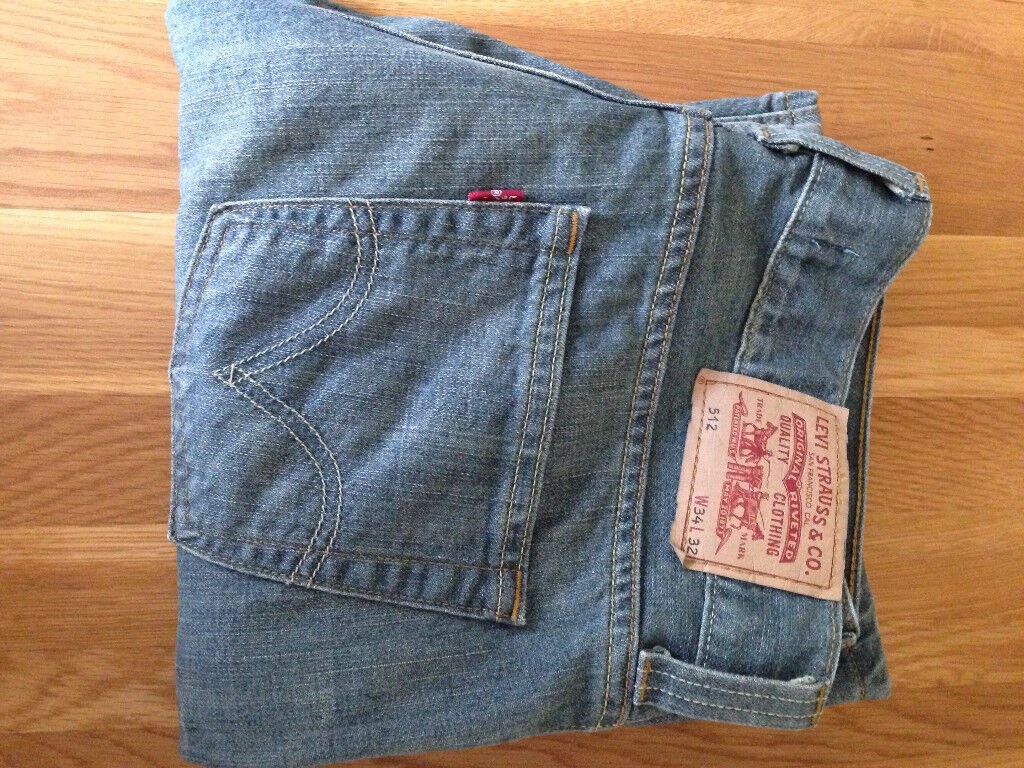 "Levi Strauss & Co Men's 512 Bootcut Jeans (34""W x 32""L) (only worn once) JUST REDUCED"