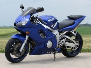 2001 yamaha  R6  Smooth, Clean, two good tires  Only $20/week London Ontario image 2