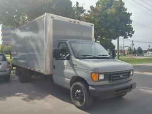 2005 Ford E-450 16ft Diesel Cube Van, Power Lift Gate
