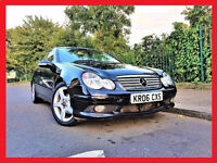 (Diesel Auto)-- Mercedes Benz C Class 2.1 - C220 CDi SE Automatic -- Leather Seats -- Glass Pan Roof