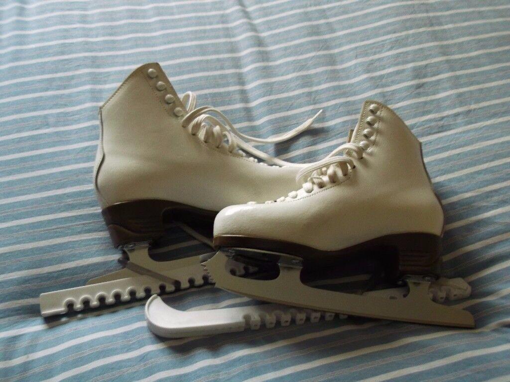 Girls/Ladies Ice Skates