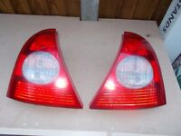 RENAULT CLIO 2001 - 2006 PAIR OF REAR LIGHT CLUSTERS